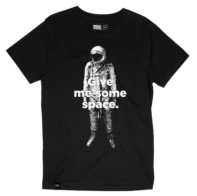 T-Shirt GIVE ME SOME SPACE schwarz