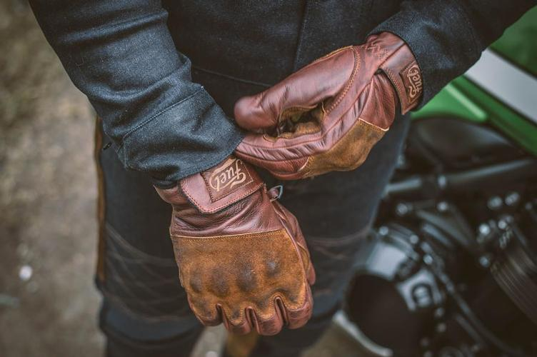 Glove RODEO brown